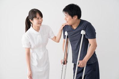 病気やケガで仕事を休んだ際の「傷病手当金」の仕組みが、国民健康保険にはありません