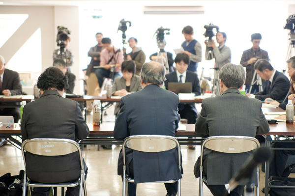 大川小検証委で柳田邦男さんが根拠の欠如を指摘 <br />遺族が「戦慄を覚えた」有識者ヒアリング