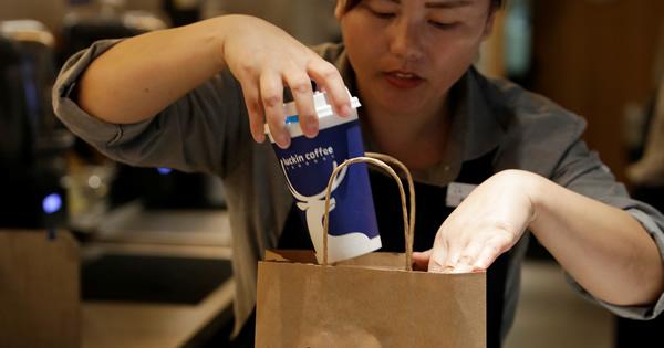 中国カフェ戦争、スタバに挑む急成長新興チェーン