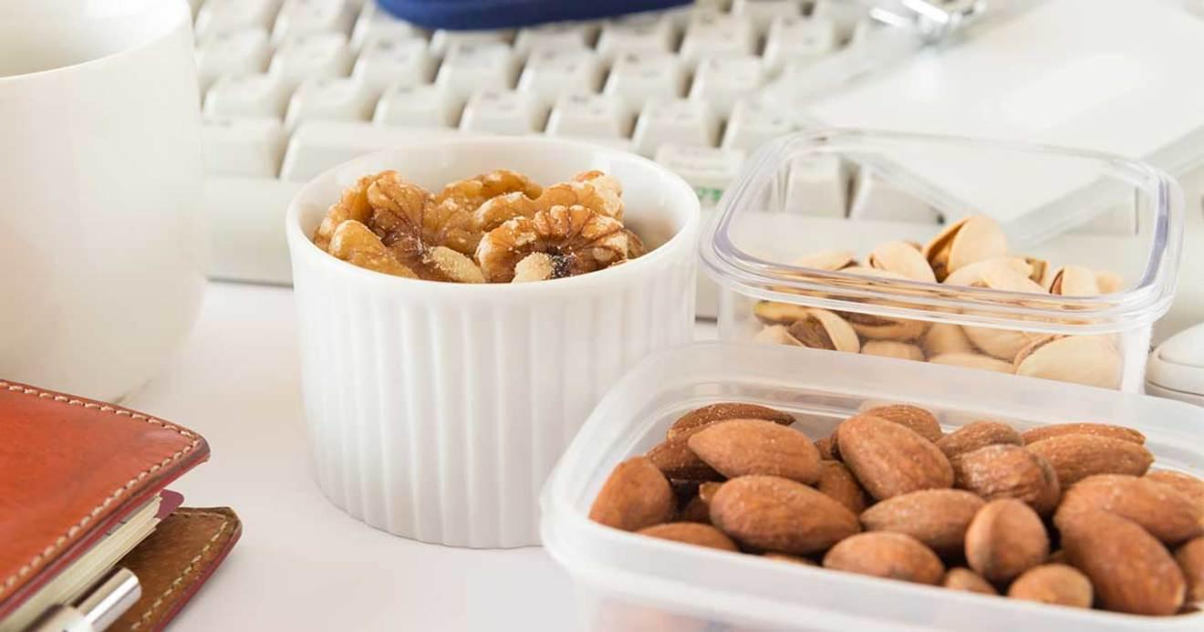 仕事の効率を上げる間食、下げる間食は何か | 仕事脳で考える食生活 ...