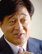 三菱自動車 益子修社長