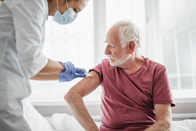 高齢者が今すぐ打つべき「2つのワクチン」