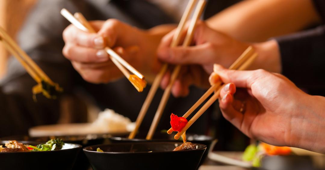 「箸」はいかにして匙を退けアジア14億人に広まったか