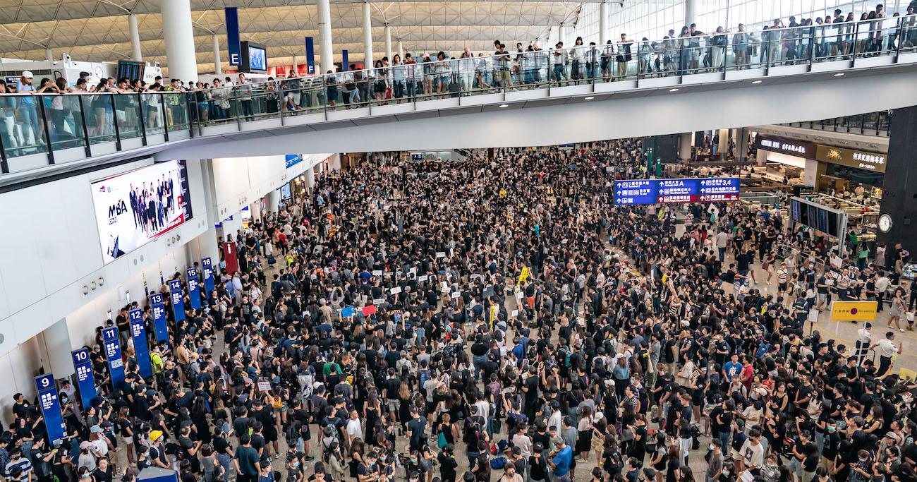 【WSJ3分解説】ついに空港もマヒ!香港沈静化への道はあるのか