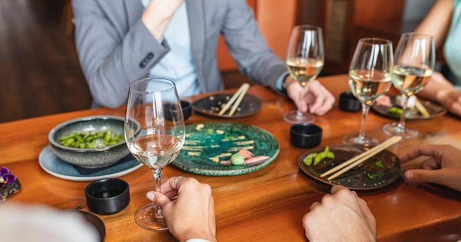 宴会で皿に一品残る問題