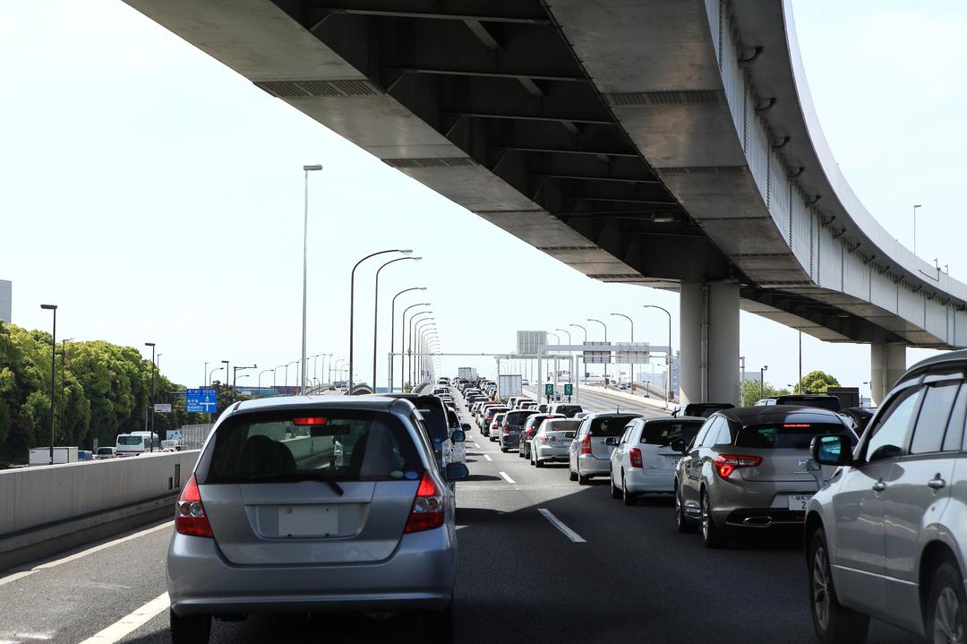 高速渋滞で日本人は「1.9億時間」無駄にしている