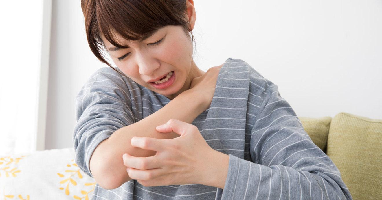 だけ 蕁 麻疹 顔