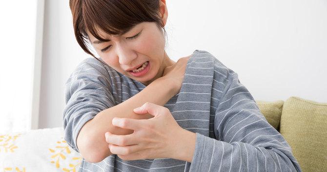 湿疹 夜になると体が痒い
