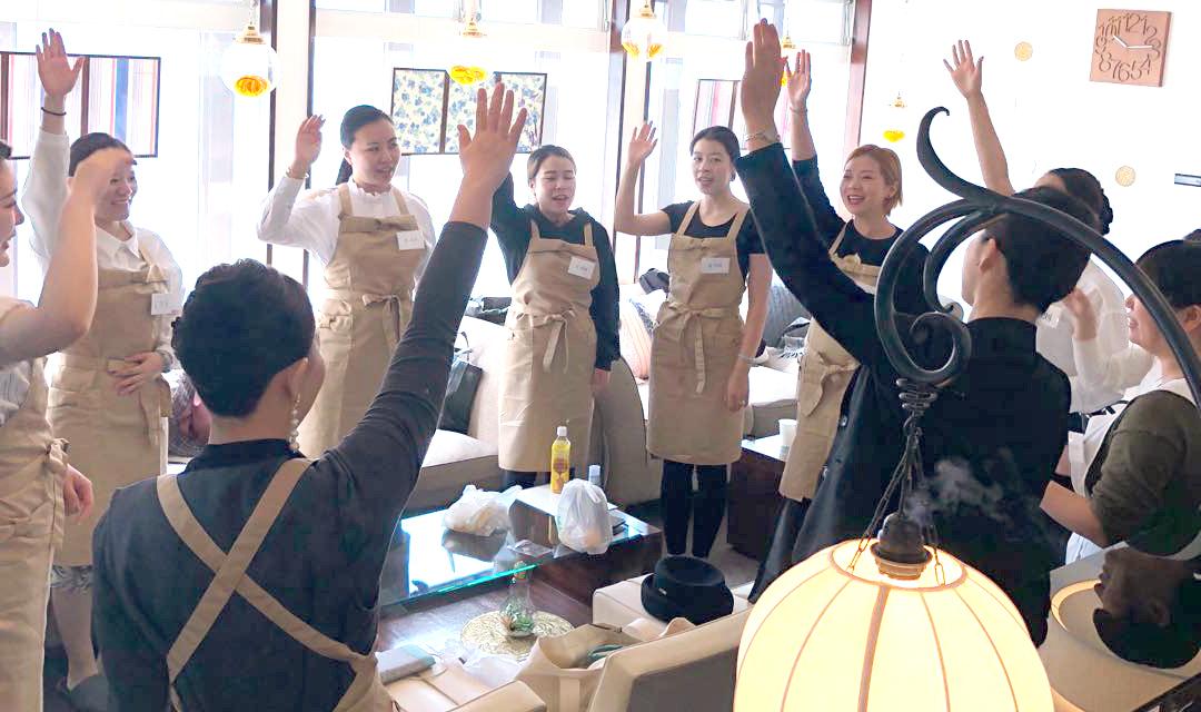 サービス概念の薄い中国人に、日本式「おもてなし」の心を伝える方法