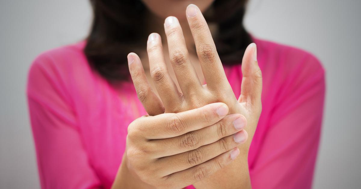 箸が持てない!妻が訴える慢性的指の痛みの意外な正体