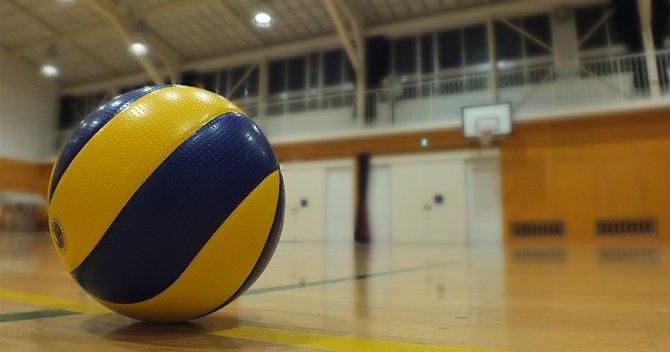 小学生バレーボール体罰、父母さえ隠ぺいに走らせる「スポ根」発想の闇 ...