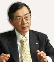 KDDI社長兼会長 小野寺 正