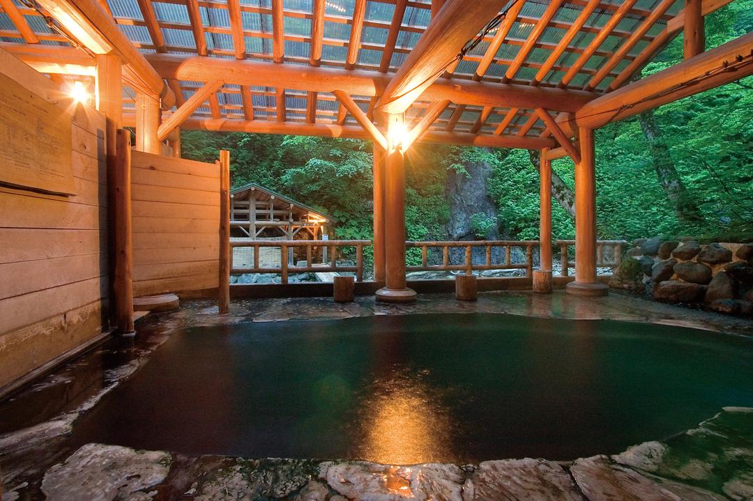 名山歩きの拠点となる<br />東北の「秘湯の宿」10選