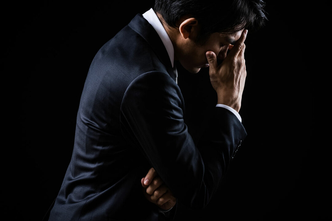 30歳独身男性会社員のうつ病の事例をご紹介します。半年前からうつ状態が続き、「自分はダメ人間。生きている価値がない」というように自己価値感が損なわれていました。仕事は手につかず、3ヵ月前から休職中でした。