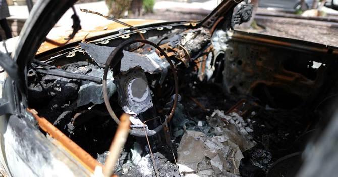 ハッシュオイル密造現場で発生した爆発で燃えた車の内部