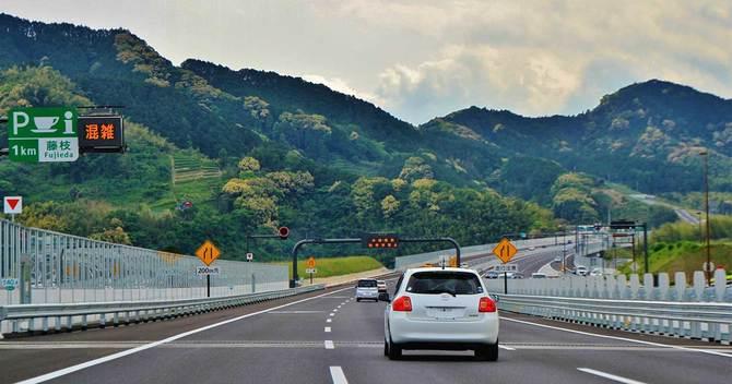 新東名高速道路の藤枝付近