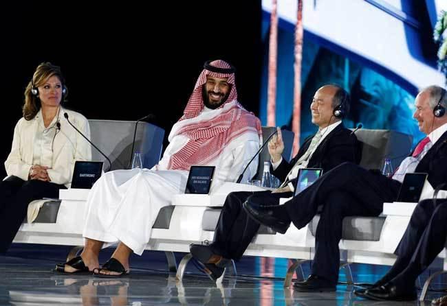 サウジ首都で投資会議 人工都市の建設計画を発表 孫正義、ムハンマド・ビン・サルマーン