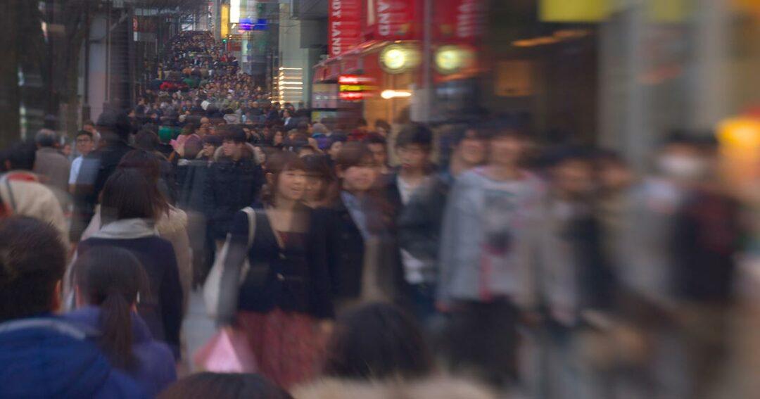 人口の半分が独身に!2035年にやってくる「超ソロ社会」とは?