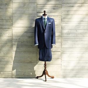 完成したスーツには、エグゼクティブにふさわしい風格と気品がある