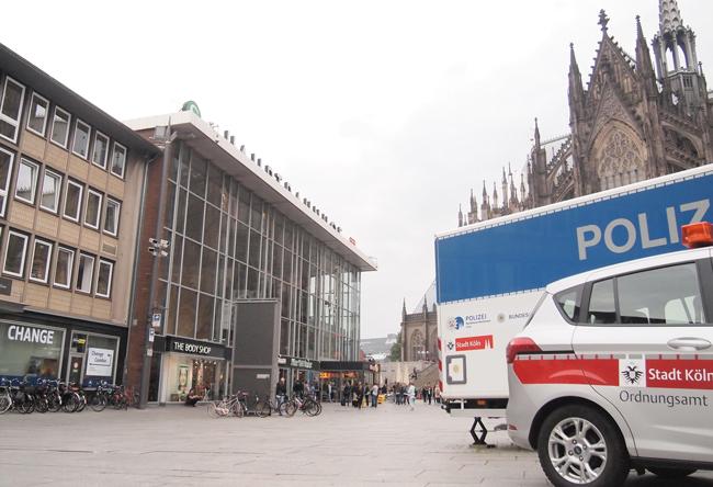 フェイクニュースは無効化できるか、総選挙前のドイツの取り組み