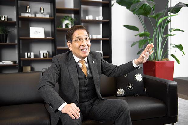 匠大塚会長がそれでも家具販売に「説明と接客」を貫く理由