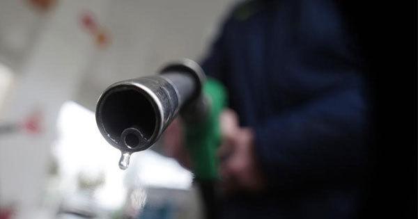 原油市場は中東情勢の悪化などを背景に先物相場が約3年半ぶりの高値