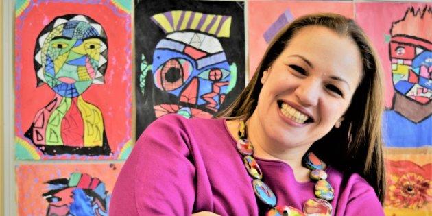 英国の貧困地域、35言語が飛び交う学校から選ばれた「世界一の教師」