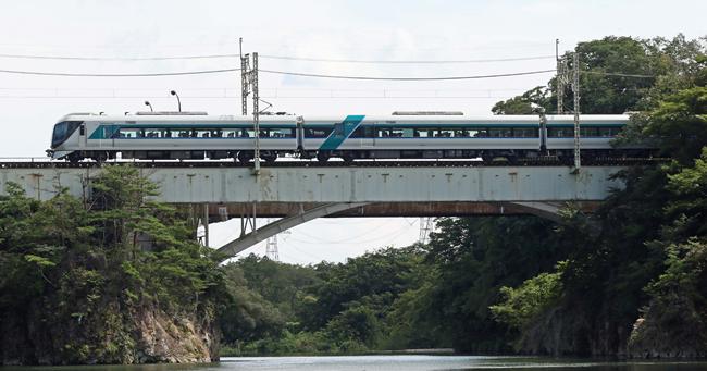 東武鉄道鬼怒川線の特急「リバティきぬ」