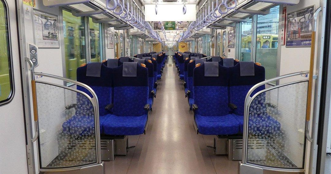 写真:西武鉄道が40000系で導入したデュアルシート