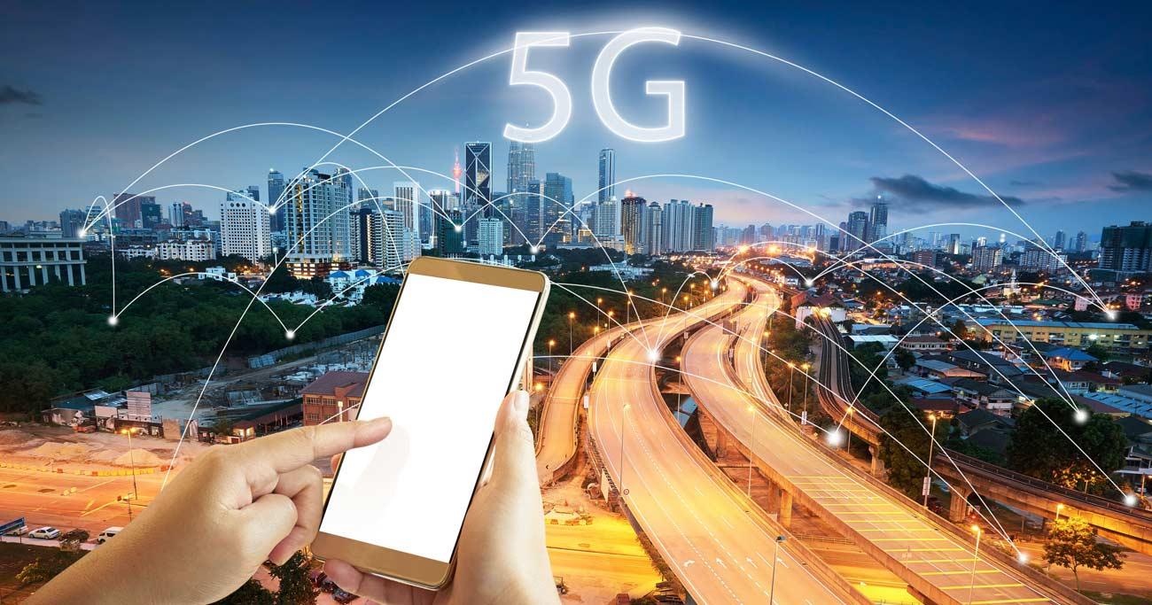 5G対応スマホの複雑な事情、半導体メーカーに追い風