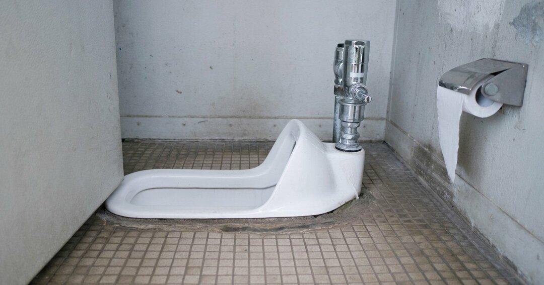 公衆トイレ個室