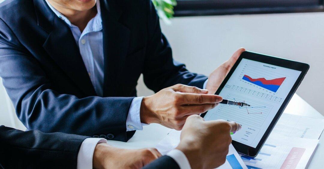 アメリカでの資産運用に貢献してきた<br />投資家と利益相反が少ない<br />「フィーベース型」のアドバイザーとは?