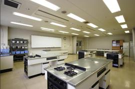 「アカデミー茗台」の実習室