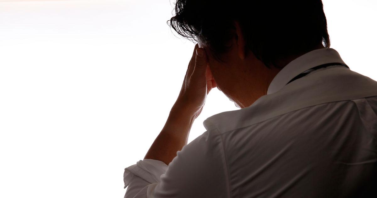 男性の「更年期障害」きっかけの多くは仕事から