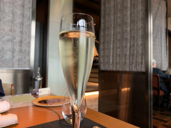 「イタリアンダイニング ケシキ」のスパークリングワイン