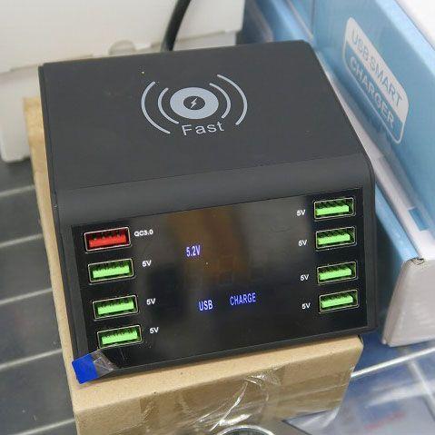 ワイヤレス充電にQC3.0も! 8ポート搭載急速充電対応ドック