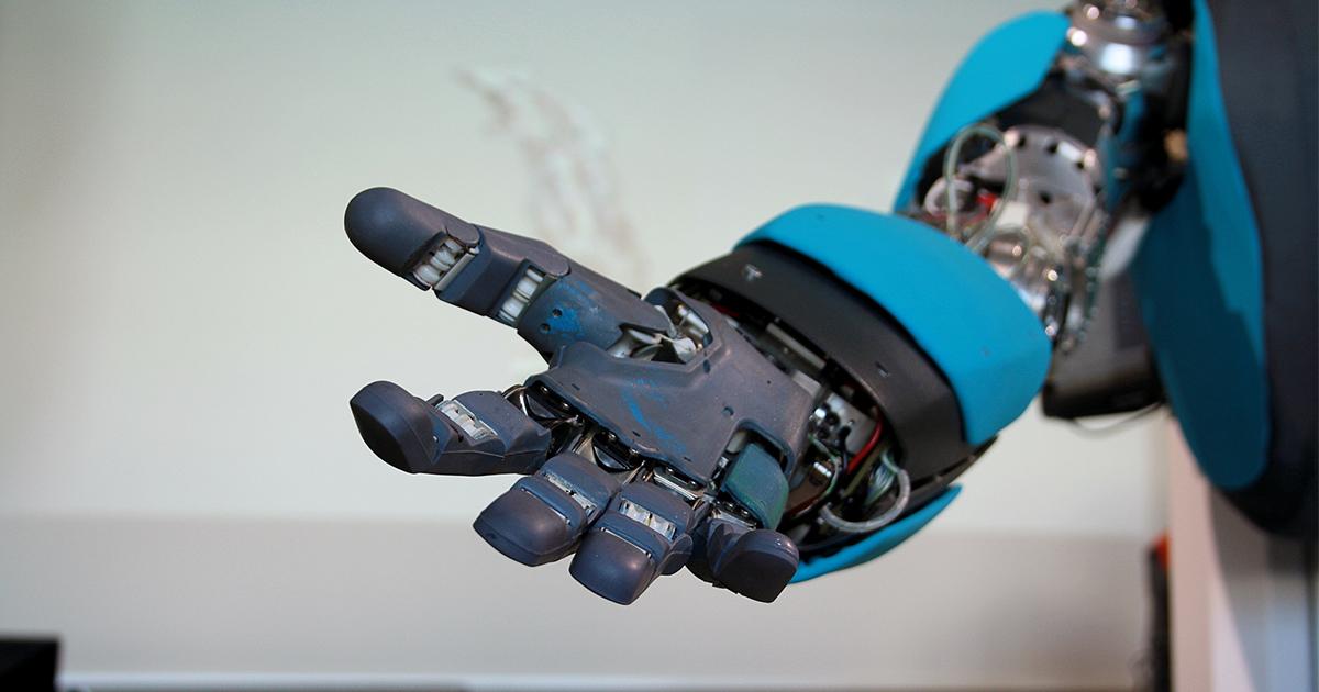 ロボットと人間が対立せず、楽しく共生できる社会づくりとは?