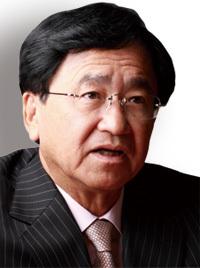 三菱ケミカルホールディングス社長 小林喜光<br />国内生産維持に固執せず海外で稼いで日本に投資