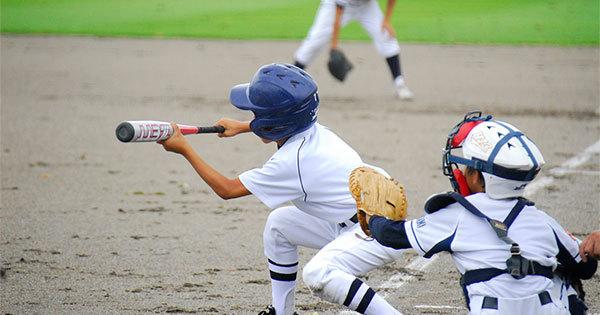 少年野球の選手は監督からバントを命じられた場合どうする?