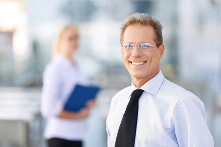 アメリカ人や中国人とのビジネスには、顔の表情も重要な要素です。