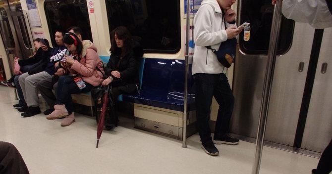 台湾の電車内