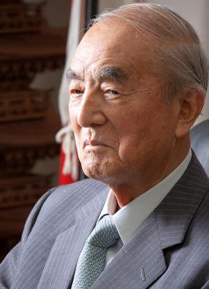 """中曽根康弘元首相が示す""""混迷政治脱出""""への光<br />「政治家諸君、日本人であることの自信を持て!」"""