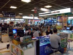 日本製デジカメやゲーム機が苦境に!?<br />中国の「スマホ集約化」は日本以上