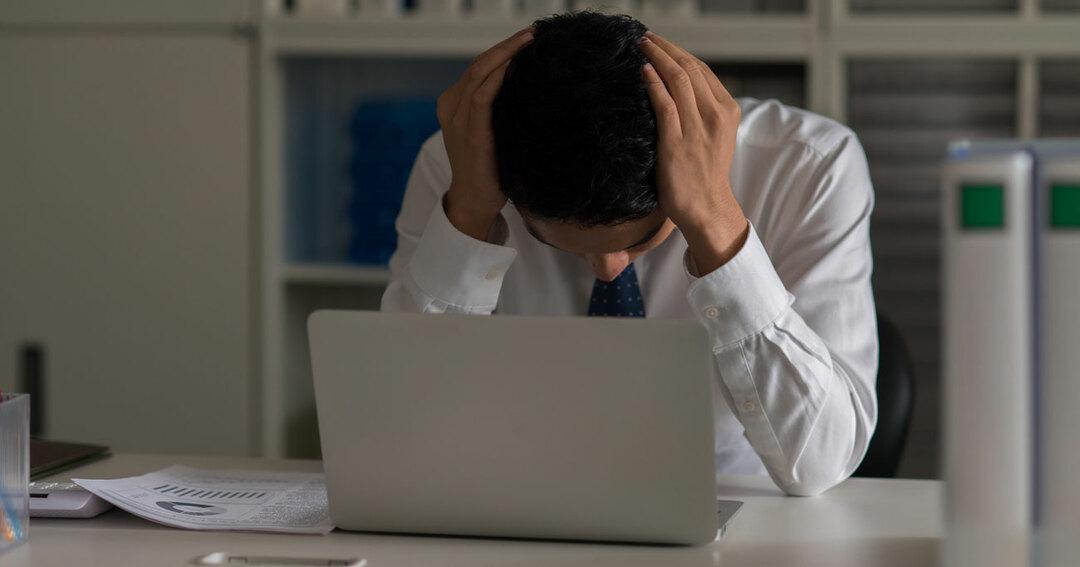 「上司に叱責され、ミスが怖くなった」とし、必要以上の確認作業を繰り返して残業が続いていまいました