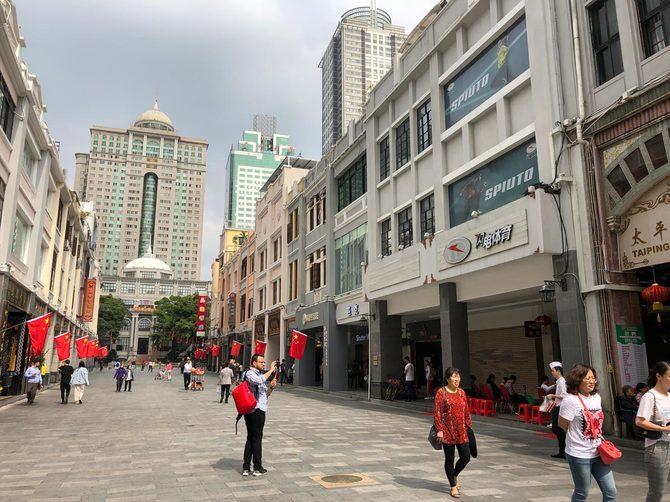 中国では店舗の営業許可など、ビジネスの「グレーゾーン」への締め付けが強化されつつある