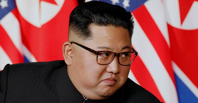 米朝首脳会談で1対1の対談に臨む北朝鮮の金正恩委員長