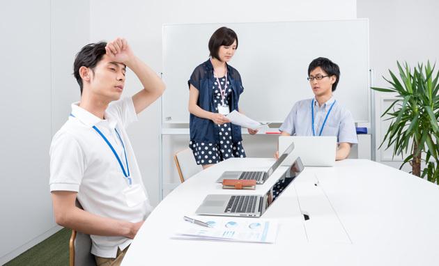 室温28度のオフィスで仕事の生産性は15%落ちる