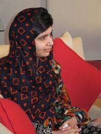 タリバンと戦う15歳の少女・マララちゃんが教えてくれた、途上国少女への教育支援が必要なワケ