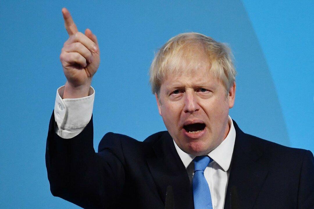 2月にEU(欧州連合)を離脱したばかりのイギリスのボリス・ジョンソン首相が、2035年までにガソリンエンジン、ディーゼルエンジンなどの内燃機関を積んだクルマの廃止に踏み切ると宣言した。