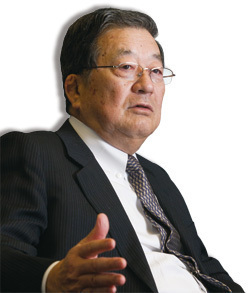 新日鐵住金会長兼CEO 宗岡正二<br />海外での高炉建設については<br />為替レートだけで決まらない